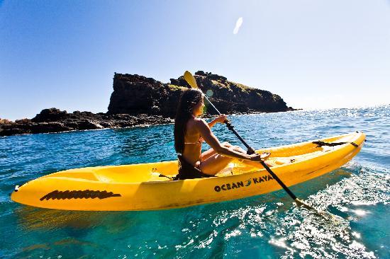 kayak-at-hulopoe-lanai.jpg
